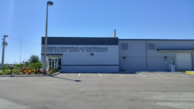 Tampa-Kemperle Auto's Exterior Walls Polished with Acrylic Signage
