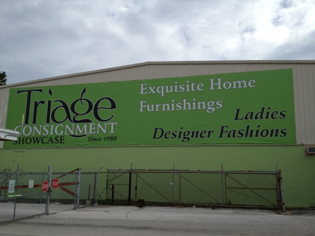Tampa-Exterior Business Banner Signs and Flags are Multipurpose Visuals
