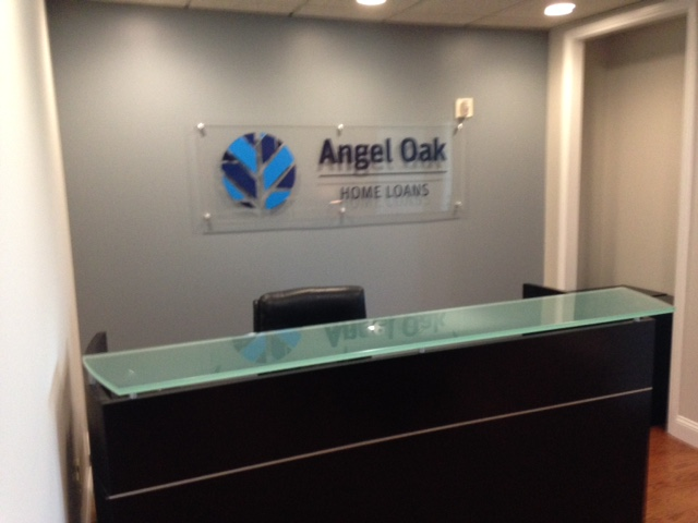 Tampa Bay Interior Lobbies Come to Life with Acrylic Signs